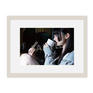 IDOL FILE 自粛女子|A4額装写真[ゆらね(じゅじゅ)]B