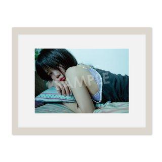 IDOL FILE 自粛女子 A4額装写真[神聖るーにゃん]B