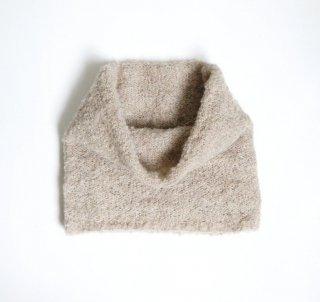 アルパカブークレの手編みネックウォーマー ベージュ