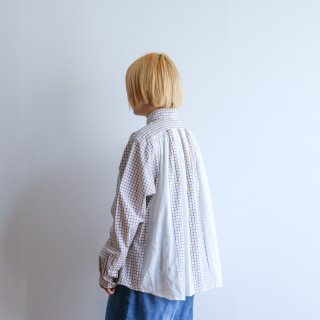 "<img class='new_mark_img1' src='https://img.shop-pro.jp/img/new/icons6.gif' style='border:none;display:inline;margin:0px;padding:0px;width:auto;' />Essentickle ""remake gather shirt"