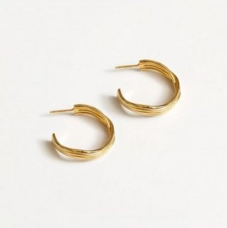 <img class='new_mark_img1' src='https://img.shop-pro.jp/img/new/icons1.gif' style='border:none;display:inline;margin:0px;padding:0px;width:auto;' />Ariana Earrings - Gold