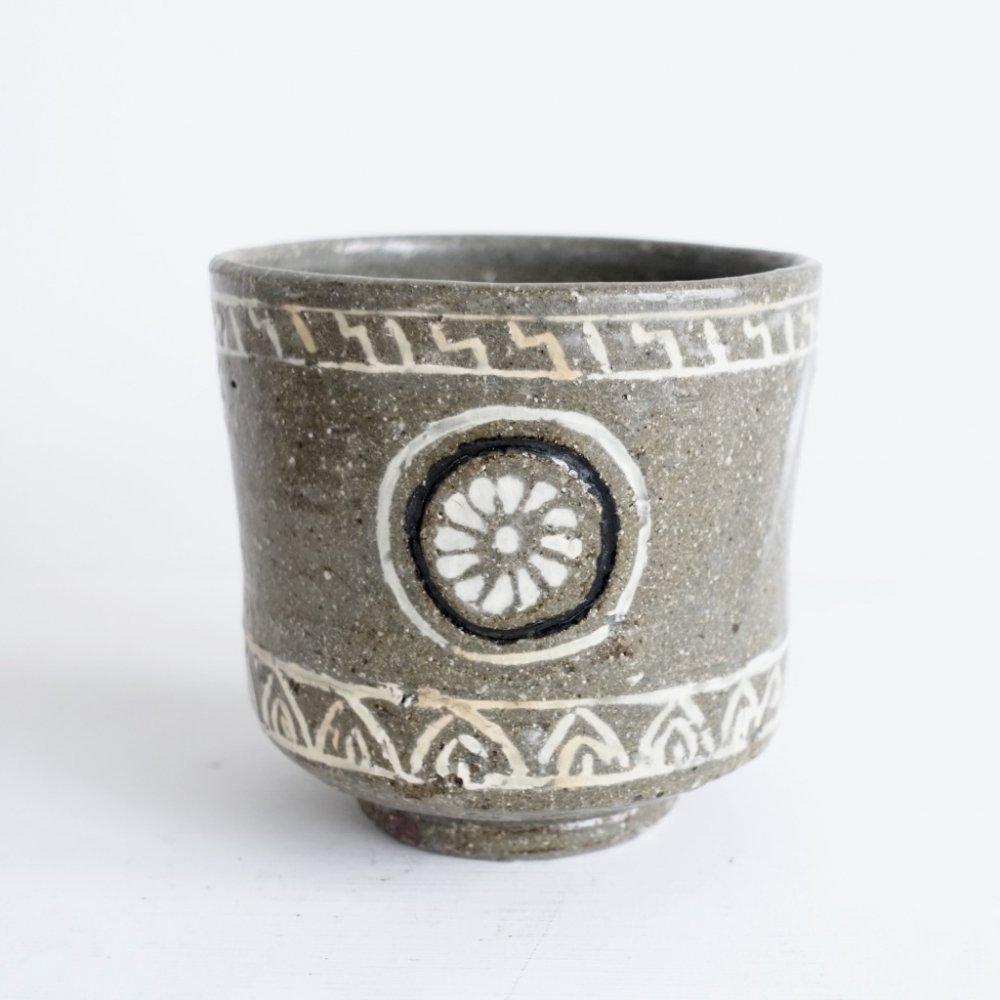 狂言袴紋茶碗