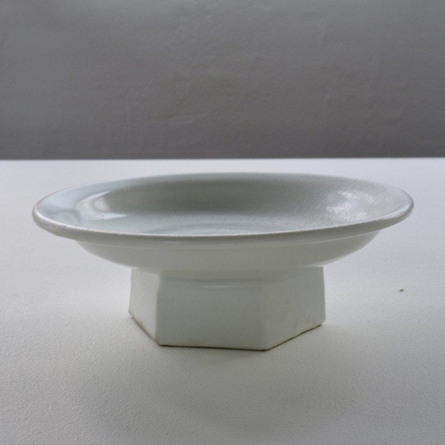 白磁6寸面取り高台台皿