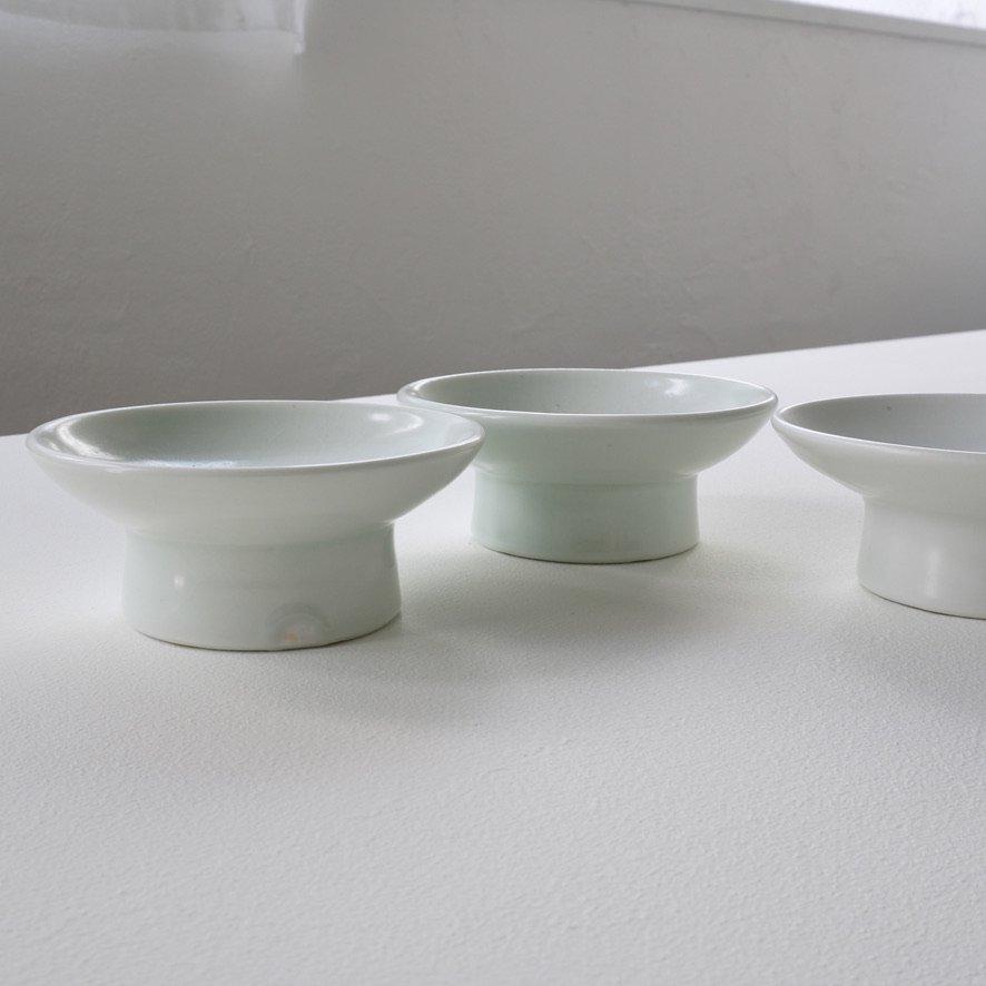 白磁4寸台鉢