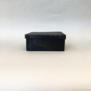 黒鉄の箱 Mサイズ