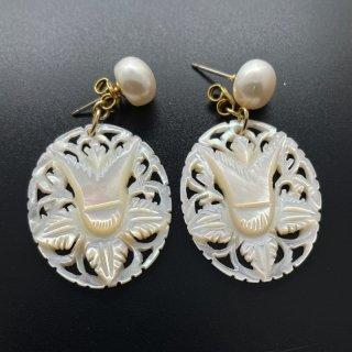 ベツレヘムパール Little (oval 百合・耳飾り )