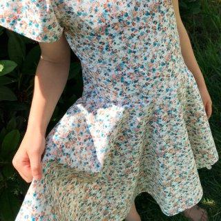 <img class='new_mark_img1' src='https://img.shop-pro.jp/img/new/icons7.gif' style='border:none;display:inline;margin:0px;padding:0px;width:auto;' />Mini full circle dress
