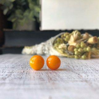 ピアス オレンジ