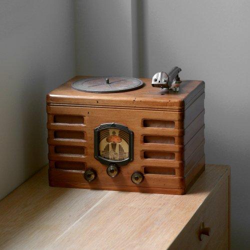 30s Radio Base Bluetooth Speaker