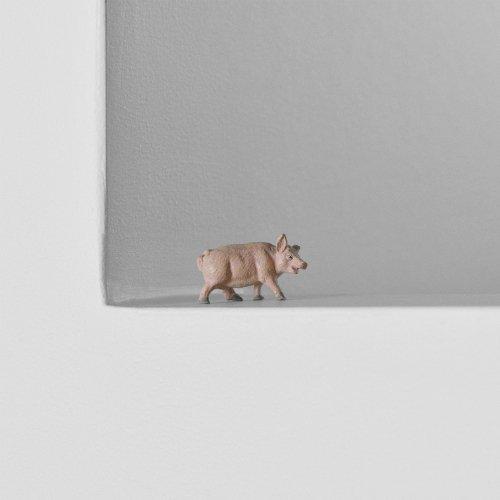 30s Molded Small Pig Figure
