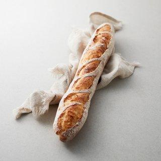 自家製小麦粉のバゲット