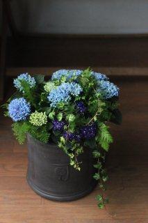 【1点もの】紫陽花ネイビーブルーとマジカルレボリューションのブリコラージュフラワー