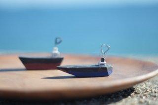 船のカードスタンド(青・黄・赤)
