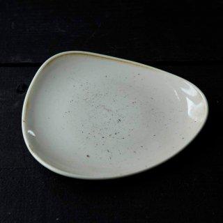 stone cast ロータスプレートS (ナツメグクリーム・ペッパーコーングレー・マスタードイエロー)