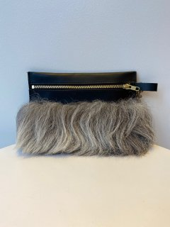 AGNES NORDENHOLZ   sheep fur pochette