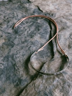 <img class='new_mark_img1' src='https://img.shop-pro.jp/img/new/icons20.gif' style='border:none;display:inline;margin:0px;padding:0px;width:auto;' />Leather Pectoral Choker