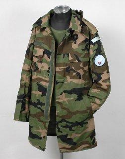 チェコ、カモ、UN.フード付き、コンバットジャケット(新品)E91N−SP
