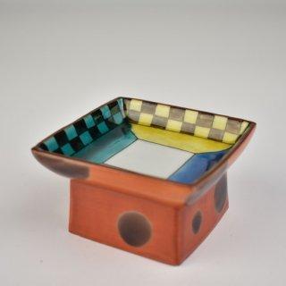 色絵市松文 三方形皿