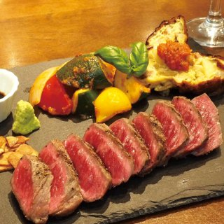 信州牛うちモモ肉のステーキ