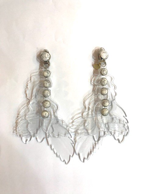 clear leaf earring WH