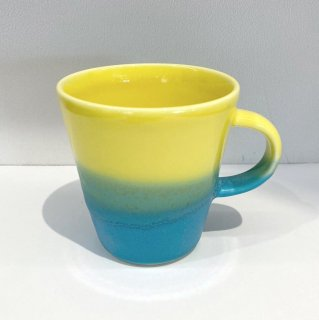 Mug cup S(2色掛け分け)【Yellow/Turquoise】前野達郎<img class='new_mark_img2' src='https://img.shop-pro.jp/img/new/icons15.gif' style='border:none;display:inline;margin:0px;padding:0px;width:auto;' />