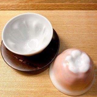 桜の花びら湯飲み茶わん 2客
