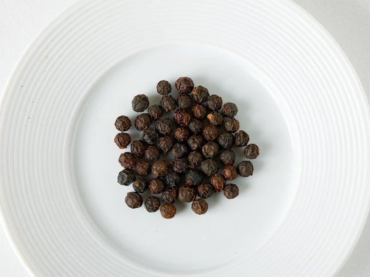 ブラックペッパー(粒)<br />Indian black pepper