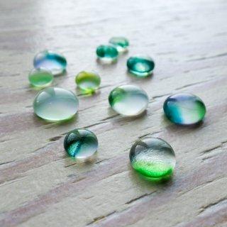 ガラスカボション 乳白グリーン 4個
