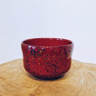 両手で持った姿が美しく見える 津軽塗りのお椀 赤 /青森県漆器協同組合連合会