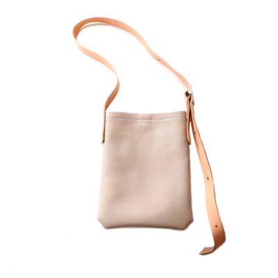 Hender Scheme / one side belt bag small - beige