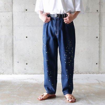 it's inconspicuous presence (Niche. ニッチ) / Paint EMB Jeans - INDIGO
