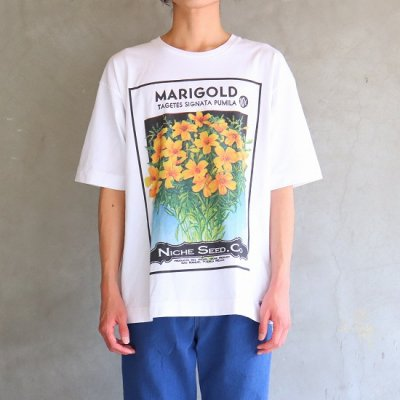 <img class='new_mark_img1' src='https://img.shop-pro.jp/img/new/icons13.gif' style='border:none;display:inline;margin:0px;padding:0px;width:auto;' />Niche(ニッチ) / flower seeds Tee - MARIGOLD