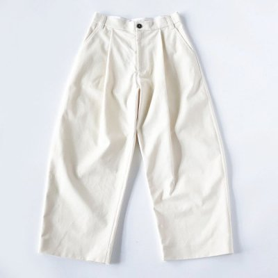 STUDIO NICHOLSON (スタジオニコルソン) / SORTE SNM Peached Cotton Twill Volume Pleat Pant - CREAM