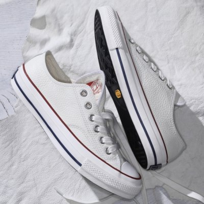 <img class='new_mark_img1' src='https://img.shop-pro.jp/img/new/icons13.gif' style='border:none;display:inline;margin:0px;padding:0px;width:auto;' />CONVERSE ADDICT(コンバースアディクト)/ CHUCK TAYLOR LEATHER OX - WHITE