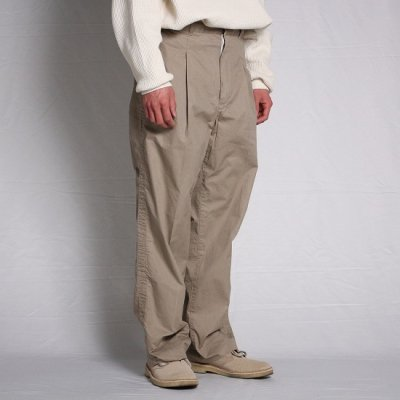 <img class='new_mark_img1' src='https://img.shop-pro.jp/img/new/icons13.gif' style='border:none;display:inline;margin:0px;padding:0px;width:auto;' />TRO USERS / WIDE TAPERED TROUSERS - BEIGE