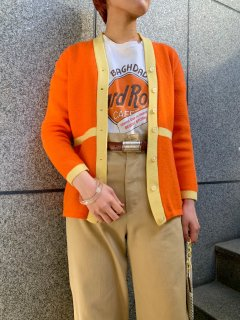 <img class='new_mark_img1' src='https://img.shop-pro.jp/img/new/icons14.gif' style='border:none;display:inline;margin:0px;padding:0px;width:auto;' />1970s Two Tone Orange Cardigan