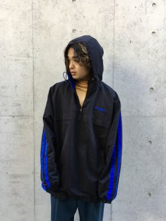 <img class='new_mark_img1' src='https://img.shop-pro.jp/img/new/icons1.gif' style='border:none;display:inline;margin:0px;padding:0px;width:auto;' />90s FUBU Nylon Anorak