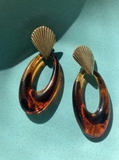 Lady's Tortoiseshell Earring