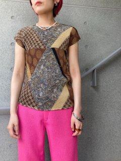 Lady's Design Wrinkle Top
