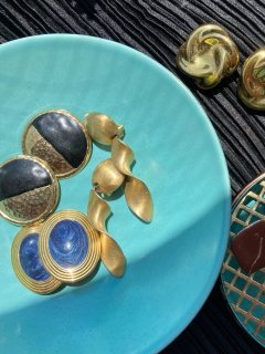Lady's Circle Bicolor Earrings