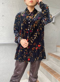 Lady's Black Flower Print Velour Shirt