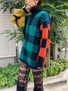 Lady's Unique Pattern Knit