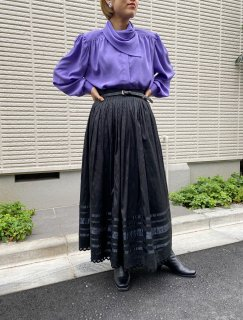 <img class='new_mark_img1' src='https://img.shop-pro.jp/img/new/icons14.gif' style='border:none;display:inline;margin:0px;padding:0px;width:auto;' />Lady's Black Tyrol Long Skirt