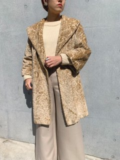<img class='new_mark_img1' src='https://img.shop-pro.jp/img/new/icons14.gif' style='border:none;display:inline;margin:0px;padding:0px;width:auto;' />Vintage Tapestry Coat