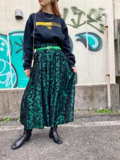 <img class='new_mark_img1' src='https://img.shop-pro.jp/img/new/icons14.gif' style='border:none;display:inline;margin:0px;padding:0px;width:auto;' />Lady's Green Metallic Skirt