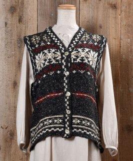 """古着""""ST JOHN'S BAY"""" Snow Pattern V Neck Knit Vest 「セントジョーンズベイ」雪柄 Vネックベスト チャコールグレイ 古着のネット通販 古着屋グレープフルーツムーン"""
