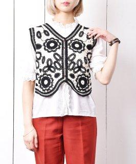古着【2色展開】「Meridian」フラワーデザインステッチ ニットベスト ブラック 古着のネット通販 古着屋グレープフルーツムーン