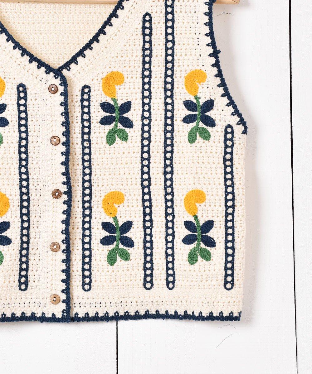 「Elcamino」 花刺繍 ニットベストサムネイル