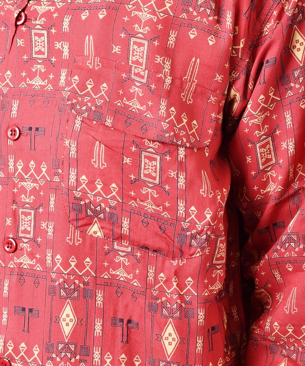 「Backers」ジオメトリック柄  フラップポケット オープンカラーシャツ レッドサムネイル