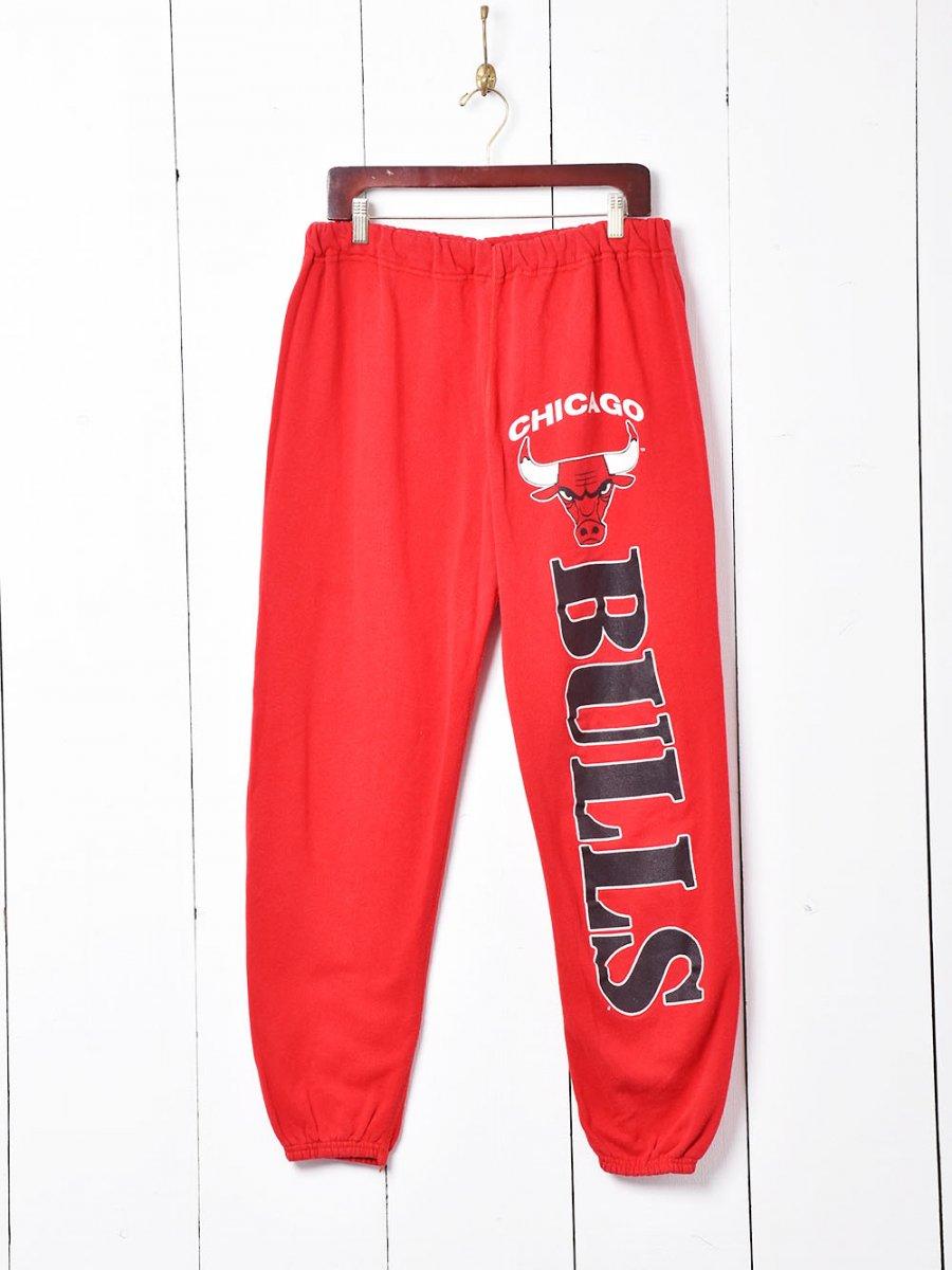 古着 アメリカ製 「CHICAGO BULLS」ロゴスウェットパンツ レッド 古着 ネット 通販 古着屋グレープフルーツムーン